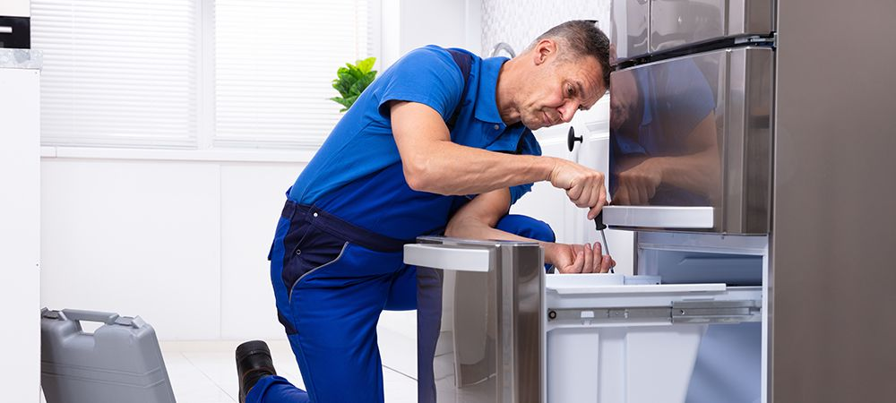 refrigerator won't turn on